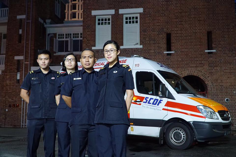 LTA Janice Lee (former SSGT; first from the right) with the ambulance crew who provided emergency support to DPM Heng Swee Keat in 2016.