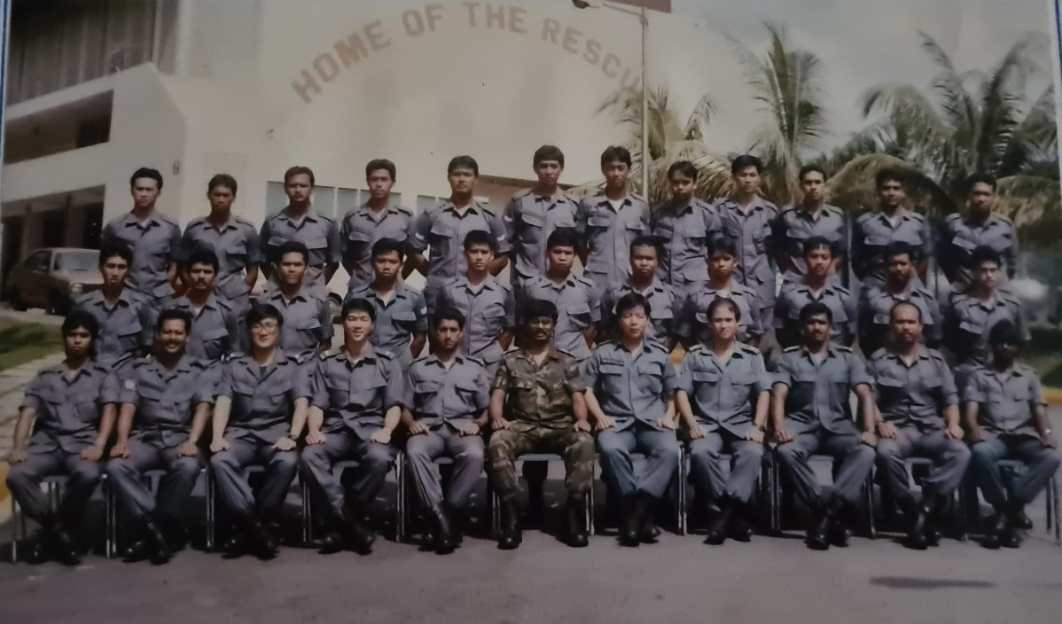 SWO (RET) Md Salleh (front row, second from the left) was part of the newly formed elite DART in 1989, when SFS merged with Civil Defence Force.